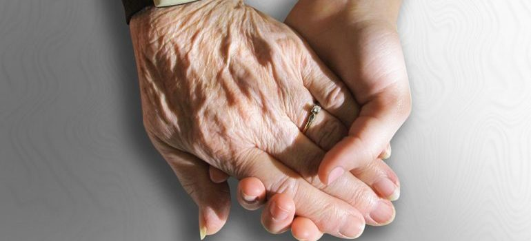 senior moving services offer a helping hand