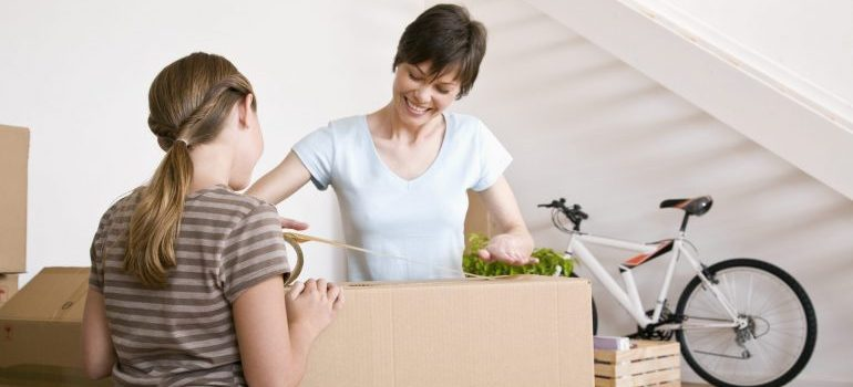 women using packing services Northern VA