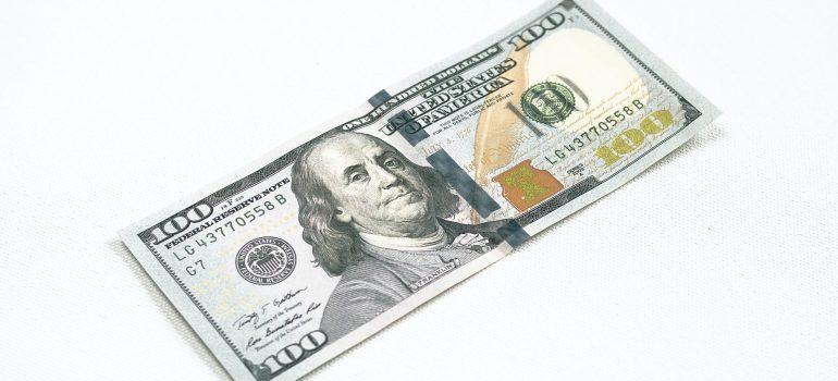 a 100 dollar bill