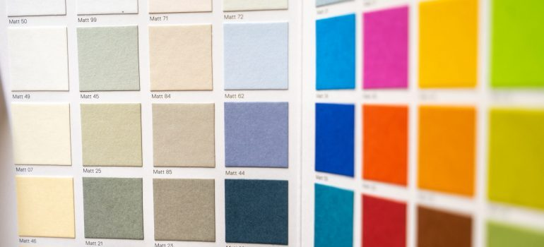 Color palette - redecorating a kids room into a teenagers room
