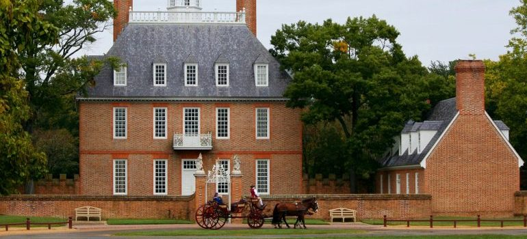 Picture of Governor's Palace in Williamsburg